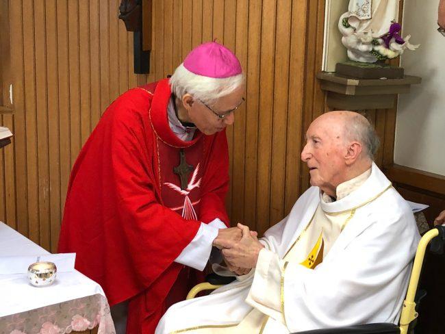Đức cha Cosma Hoàng Văn Đạt, SJ, thăm cha giáo Manso nhân dịp sinh nhật của ngài tại Đài Loan năm 2018